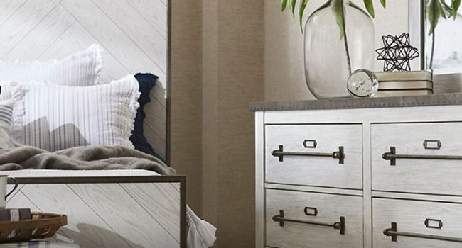 Dressers | Hardware Decisions Made Easy | Jordan's Furniture Life&Style Blog