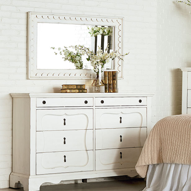 Accent Mirrors at Jordan's Furniture stores in CT, MA, NH, and RI