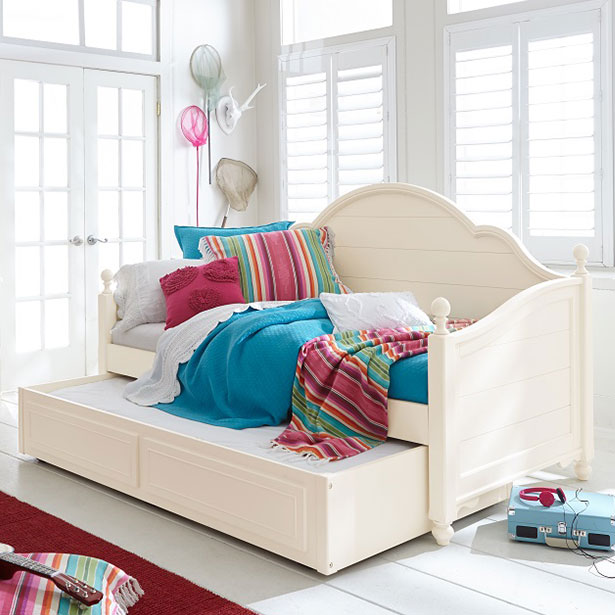 Kids' Bedroom Daybeds at Jordan's Furniture stores in CT, MA, NH, and RI