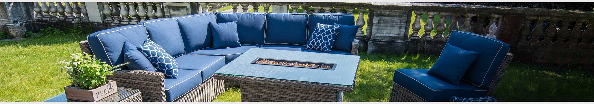 Outdoor Sofas & Sectionals