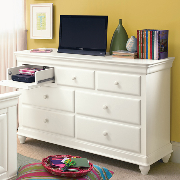 Shop our Kids Bedroom Dresser selection at Jordan's Furniture located in CT, MA, NH and RI!