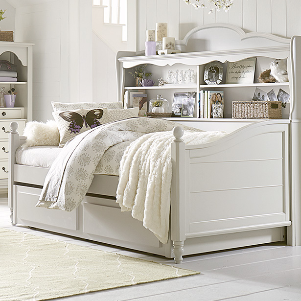 Shop our Kids Bedroom daybed selection at Jordan's Furniture located in CT, MA, NH and RI!